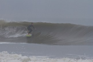 Folly_Beach_Surfing