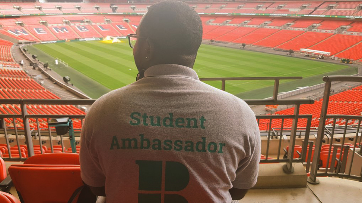 10 reasons why you should become a student ambassador