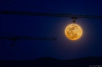 Tongyeong Hook the Moon-1