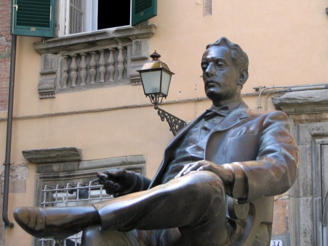 Giacomo Puccini statue