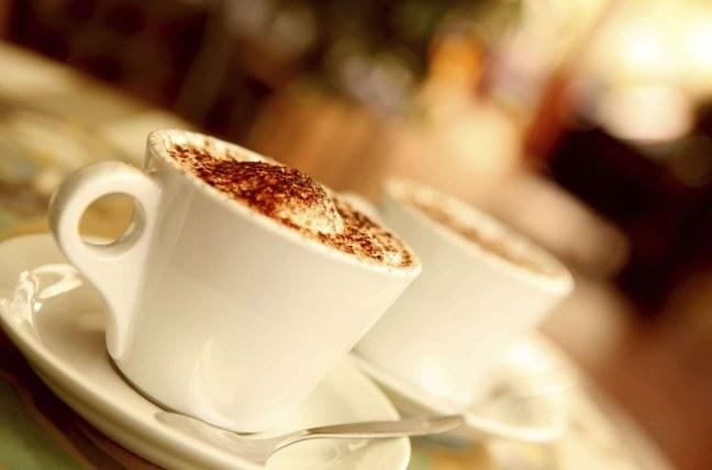 Hotel-ARCOTEL-Onyx-Hamburg_BAR-WIENER-CAFE_Tassen-1500x990