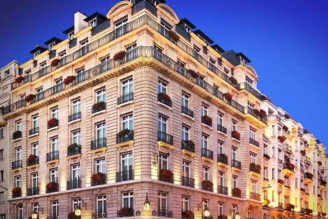 Le-Bristol-Paris-hotel-facade