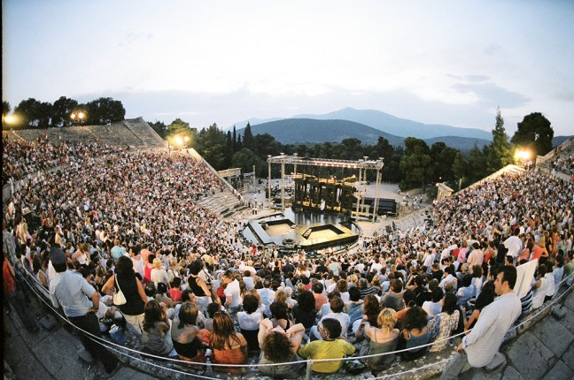 2005_07_2001_ANCIENT_THEATRE_OF_EPIDAURUS_OEDIPUS_REX-EVI_FYLAKTOY1