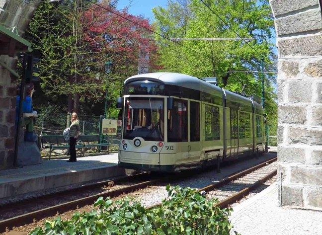 postlingberg-tram-at-the-summit-station