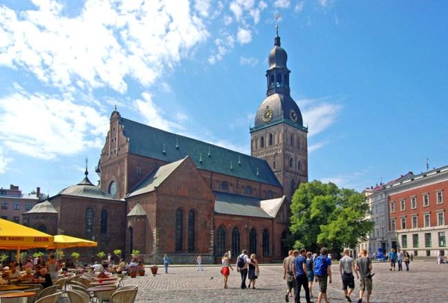 Площадът на Катедралата