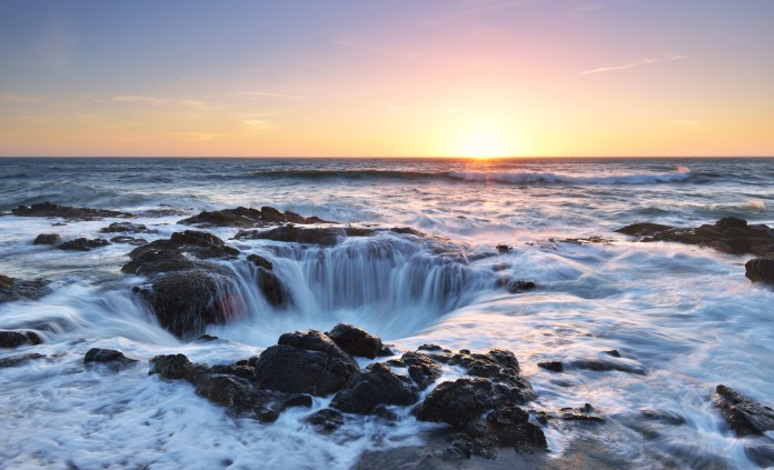 Thor's Well, Cape Perpetua, Oregon