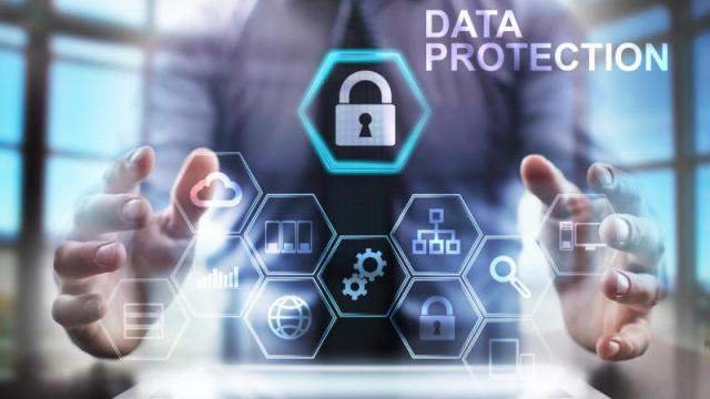 Pelanggaran Privasi, Snowden: Jauhi Facebook, Google, dan Dropbox | Ryan Mintaraga (itproportal)