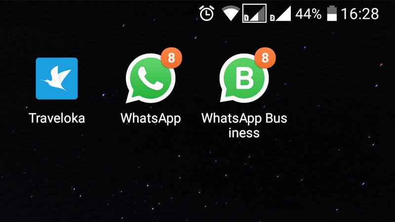 ponsel saya sudah terinstal whatsapp business, screenshot