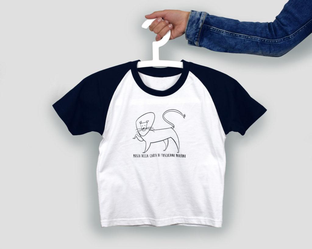 T-shirt personalizzata per il Museo della Carta