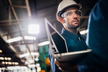 Lentes de trabajo: 5 riesgos oculares y cómo prevenirlos.