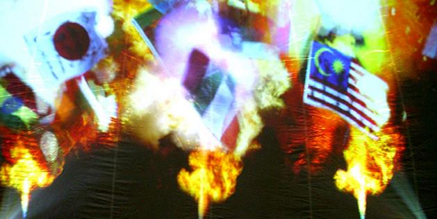 """""""Global Fire"""" by the Paris-based artist Du Zhenjun, Image Credit; http://duzhenjun.com/installations/global-fire/"""