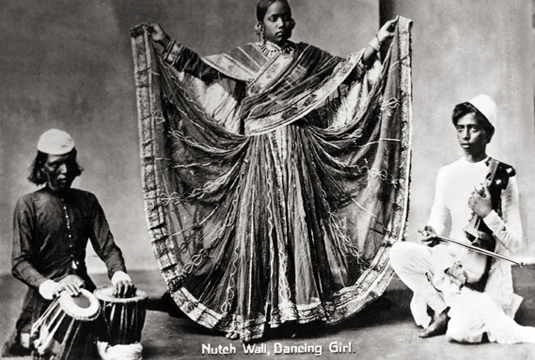 Nautch Wali Dance Girl, 1890. Image Credit: http://www.tasveerarts.com/group-shows/subjects-spaces/view-individual-images/?p=25