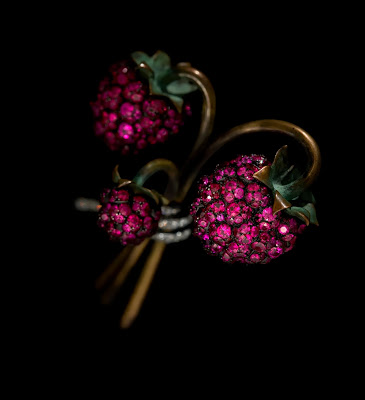 Photograph by Jozsef Tari. Courtesy of JAR, Paris Raspberry Brooch, 2011, Rubies, diamonds, bronze, silver, gold, and platinum. Collection of Sien M. Chew