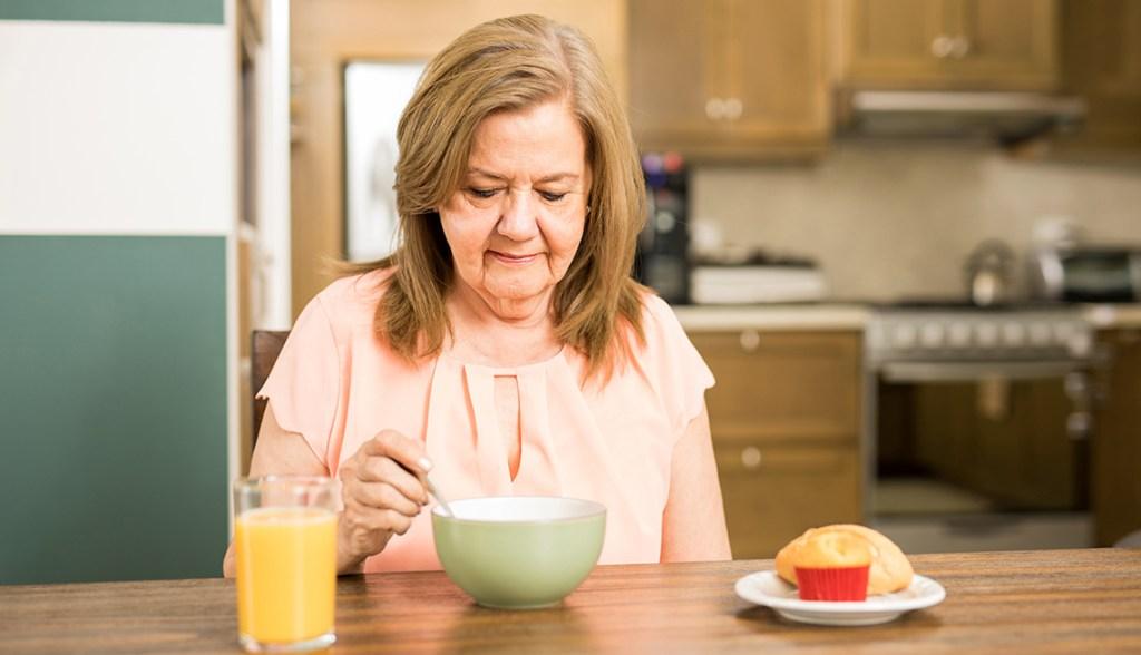 khó khăn ăn uống khi điều trị ung thư