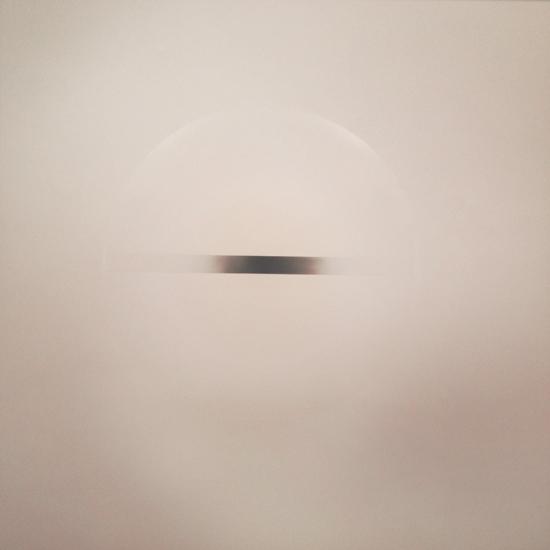 """""""Untitled"""" opera in lacca acrilica e plastica di Robert Irwin (1969) - Mostra AISTHESIS"""