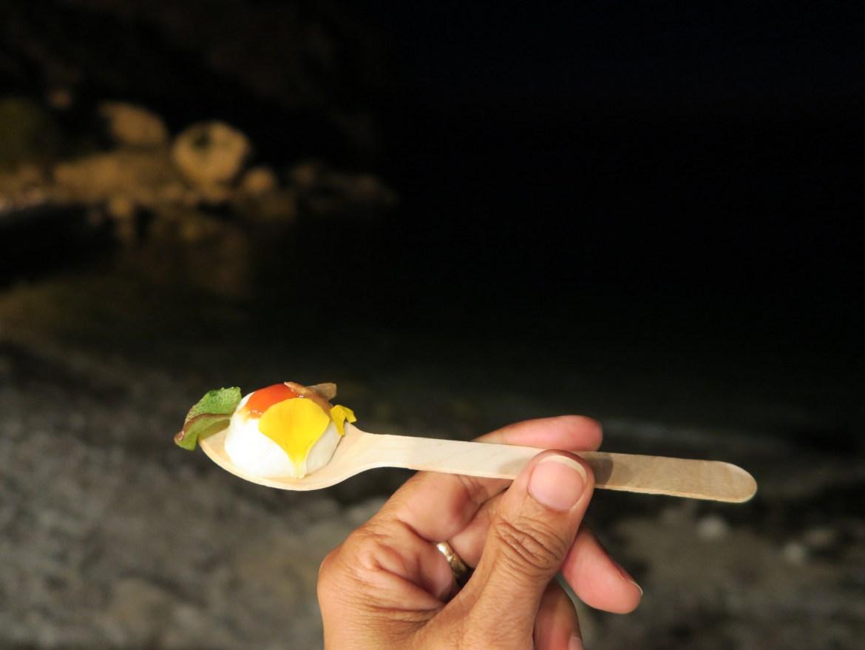 """""""Brezza Marina"""" la ricetta estiva dello chef stellato Pietro D'Agostino, da servire su un cucchiaio   ©foto Sandra Longinotti"""
