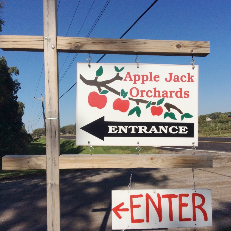 Apple Jack Orchards sign