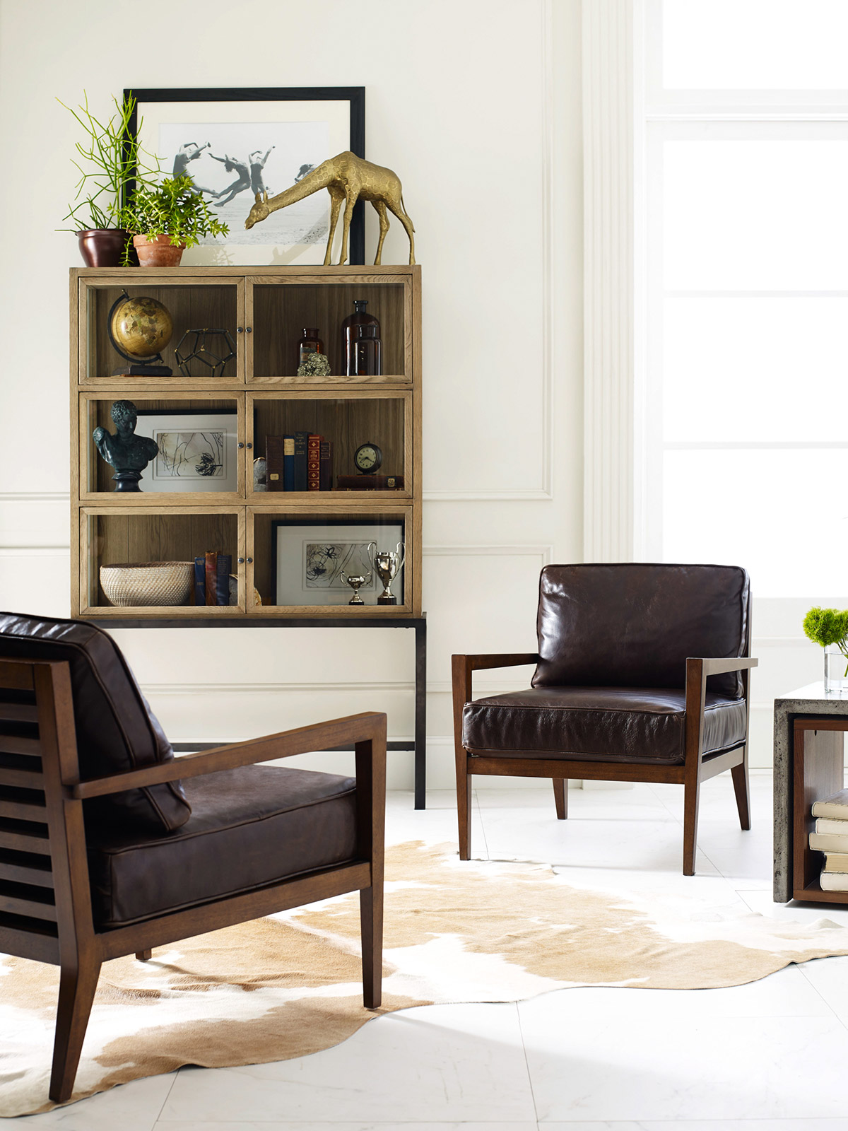 Decorating With Brown Leather Furniture (Tips for a Lighter ...