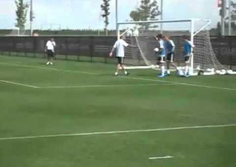 Zinedine Zidane düpiert Torhüter