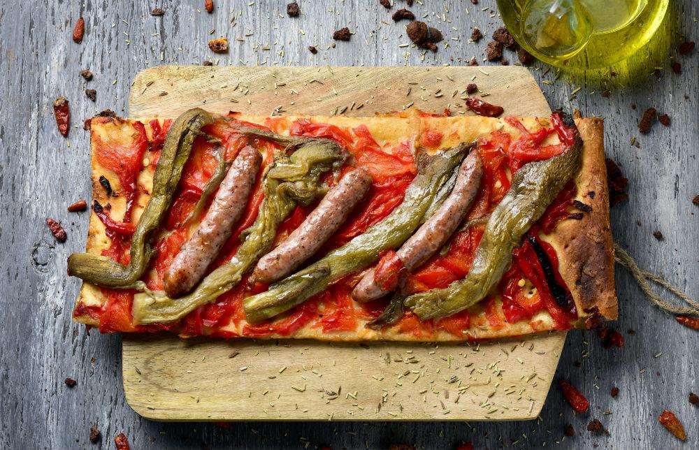 La coca mediterránea: un universo de sabores