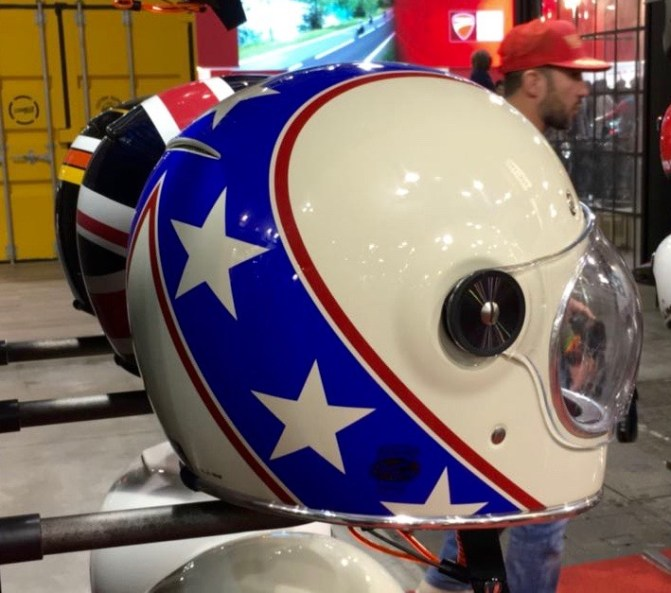 bell-helm-eicma-milano-2016-1