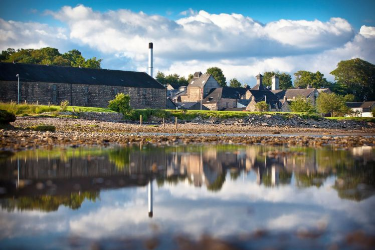 Dalmore Distillery (Credit: Whyte & Mackay)