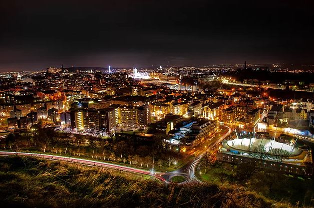 Edinburgh by night (credit and copywright: Andrew Palmer)