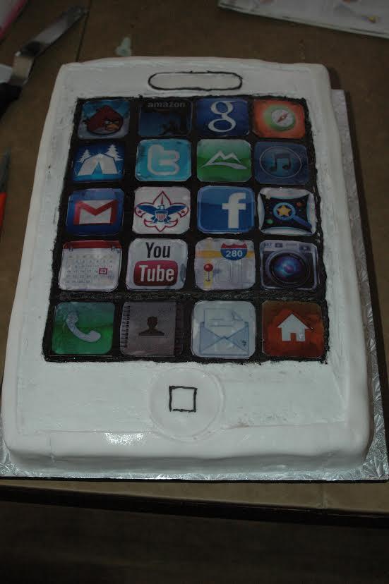 19 iPhone Cake