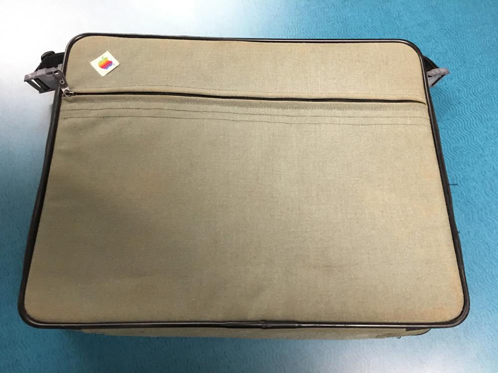 Apple-computer-bag-1985-jamboree