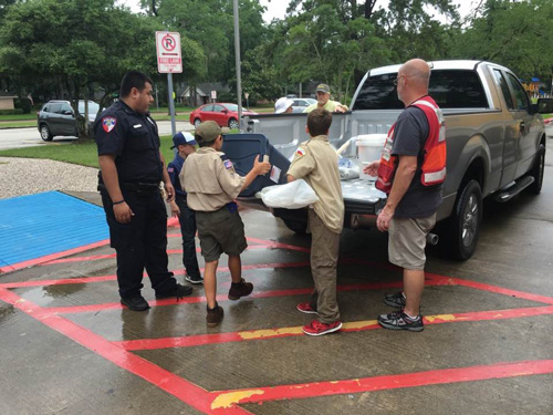 Pack 1292 Houston flooding relief work