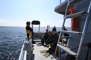 Briefing before the dive