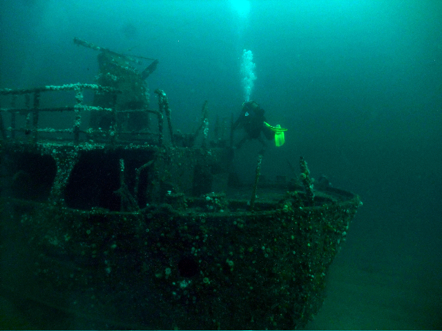 Divers at stern of the Julia T