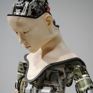 Angst vor KI Roboter vermenschlicht