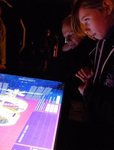 """Table interactive, exposition """"Sciences et science-fiction"""", Cité des Sciences 2010."""