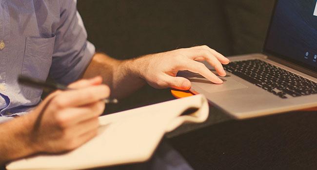 Aprenda a organizar suas finanças pessoais e conheça 5 ferramentas simples que podem te ajudar nisso