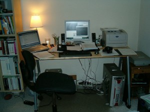Home Office by Dylan (CC-by-2.0)