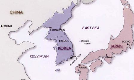 Japan Korea Map  (c) http://www.lib.utexas.edu/maps/middle_east_and_asia/korea_eastsea01.jpg