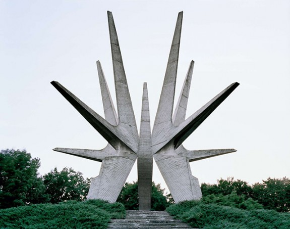 Spomenik_1