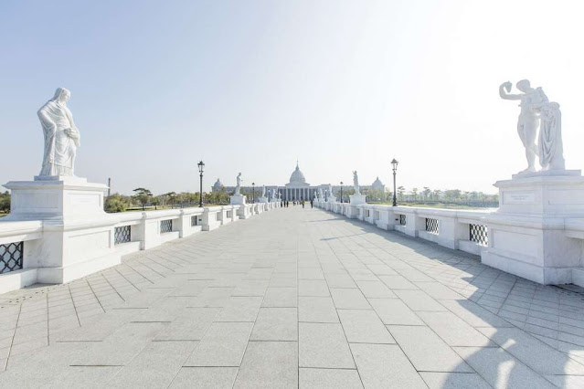 彷彿來到歐洲宮殿!2015年開幕,耗資13億,仿造歐風建築風格建造,是奇美集團的許文龍先生建造完成後捐贈給台南市的禮物,開幕至今吸引國內外遊客爭相到訪參觀|東南旅遊