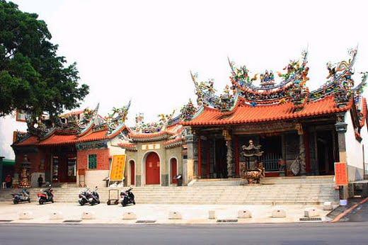 位於台南北區的大觀音亭主要祭祀觀音佛,於1678年興建,現為三級古蹟|東南旅遊