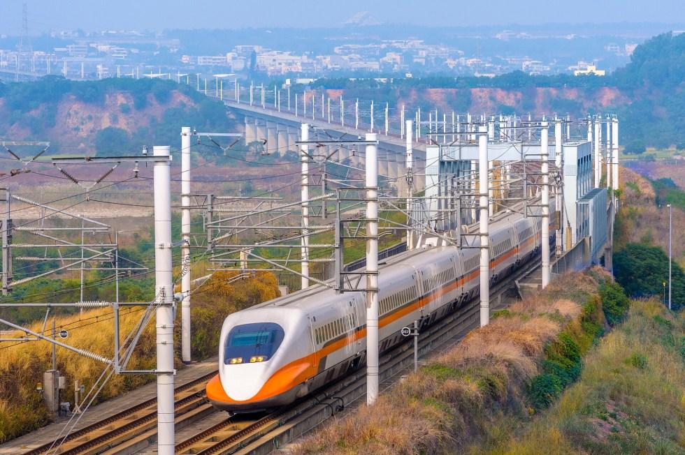 中台灣大城【台中】超好玩!不論你是住北部的朋友,還是住南部的朋友,相約台中剛剛好,有了高鐵更是方便|東南旅遊