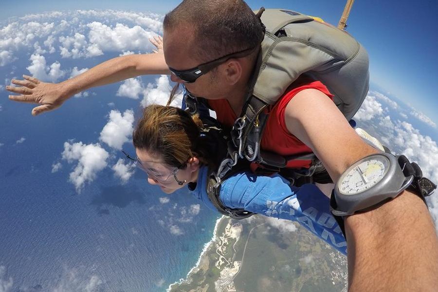 關島跳傘|東南旅遊
