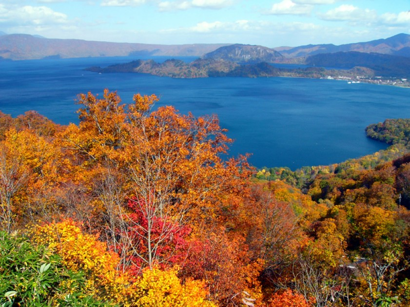 十和田湖|東南旅遊