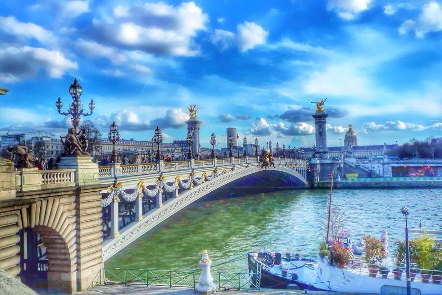 午夜巴黎:法國亞歷山大三世橋|東南旅遊
