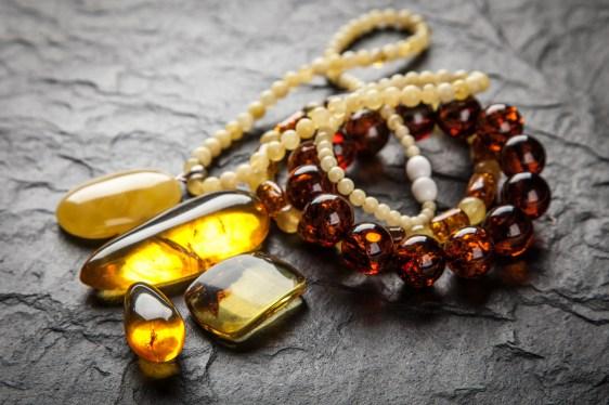 Les pendentifs, un ornement esthétique et symbolique - Blog bio ... 772112151af5