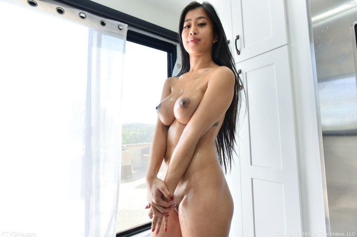 porn-starlet-Jade-Kush-leaked-nude-sexy-016-www.sexvcl.net_ Chinese American model and porn starlet Jade Kush leaked nude sexy