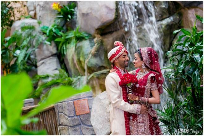 11-Anaheim-orange-county-indian-hindu-gujarati-wedding-photographer-couple-romantic-photos