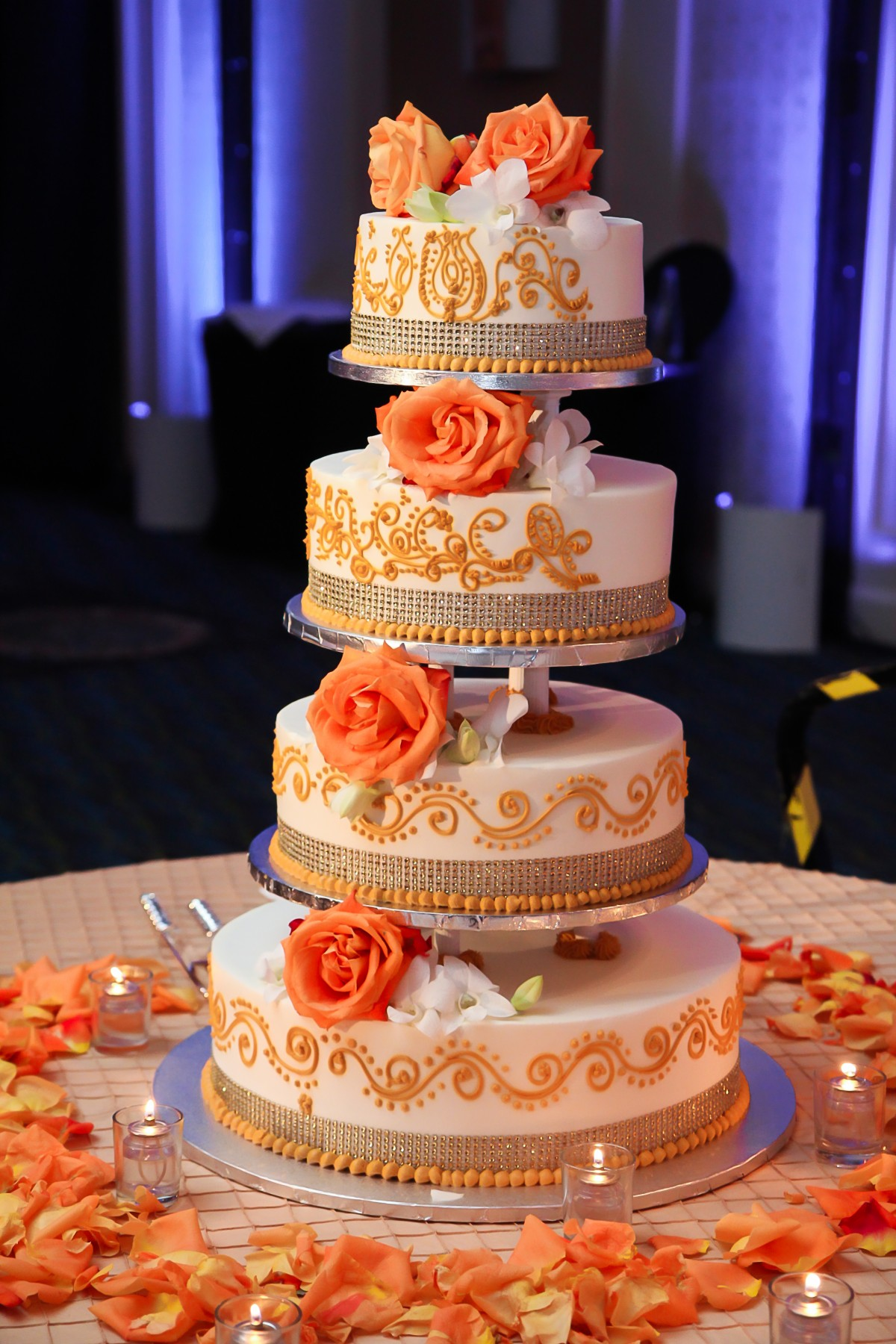 Indian Wedding Reception Cake Mishap Indian Wedding Venues