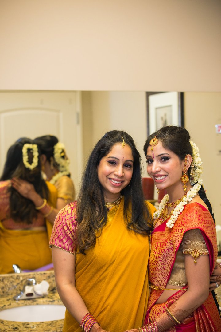 Preeth's sister, Puja had planned her own wedding and helped several friends with theirs in Phoenix. Since she is local, she visited vendors and worked with them directly.