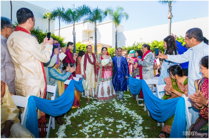 34-California-Long-Beach-Hyatt-Orange-County-Indian-Hindu-Gujarati-Wedding-ceremony-Photography-bride-aisle